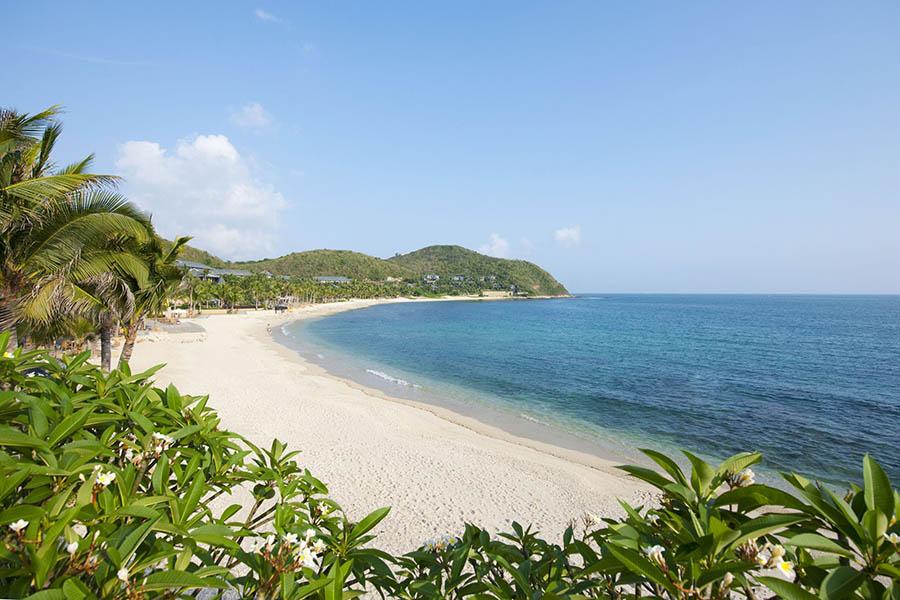 Пляж в м. Санья