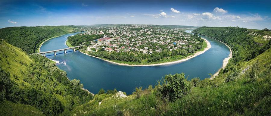 Панорама Заліщиків, фото ukraine-is.com